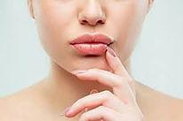 Diksiyon kalemimiz dudaklarınızı doğru konuşma için dudaklarınızı şekillendirir.