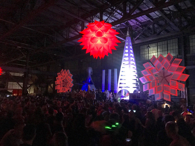 The 32' Kazbah in action @ Decompression SF