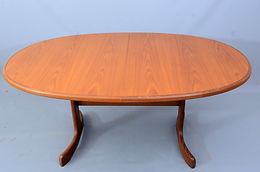 G Plan Fresco large oval extending teak dining table seats 8 people