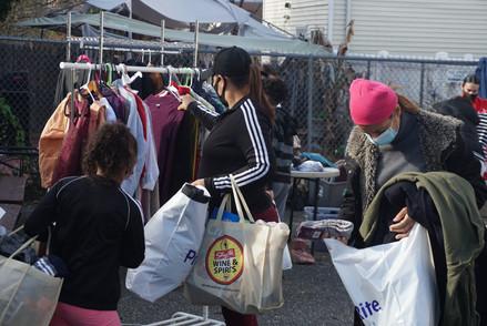 Free Clothing Market