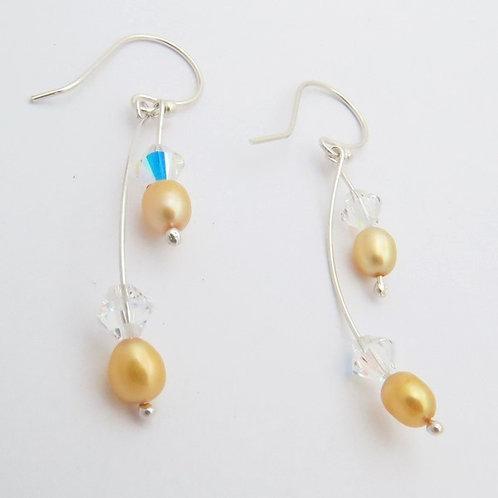 Aretes curvos perla dorada y cristal Swarovski