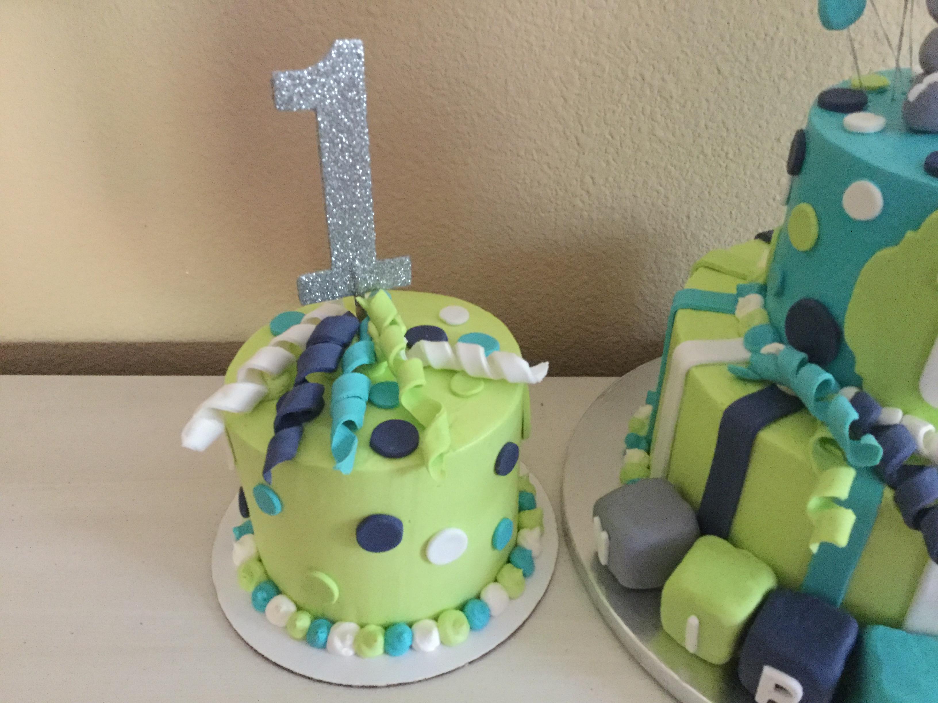Ribbons Smash cake