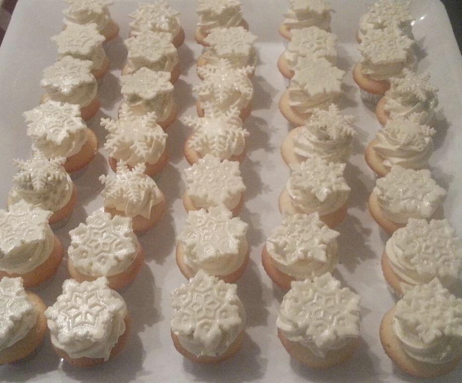 Snowflake Mini Cupcakes