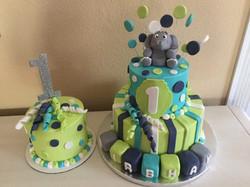 Two tier birthday & smash cake