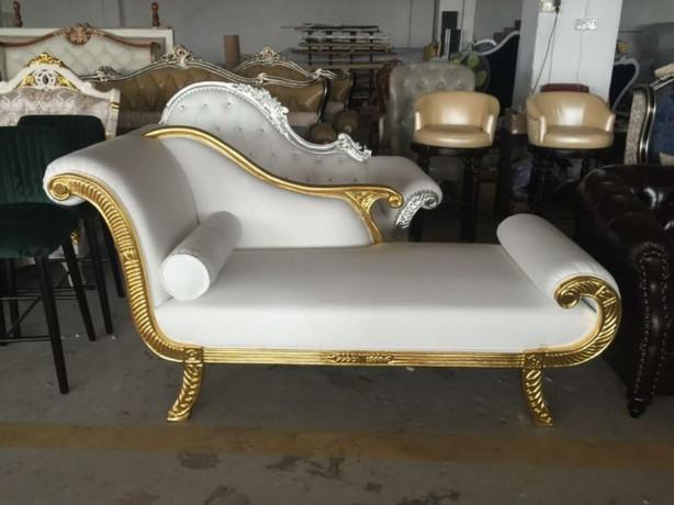 sofa (4).jpg