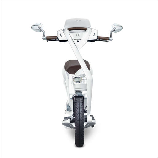 Ujet_Scooters_front concorde white rand.