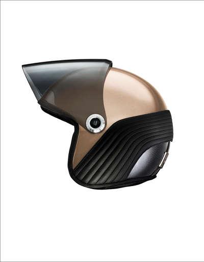 Ujet-Helmet-side-open-gold rand.jpg