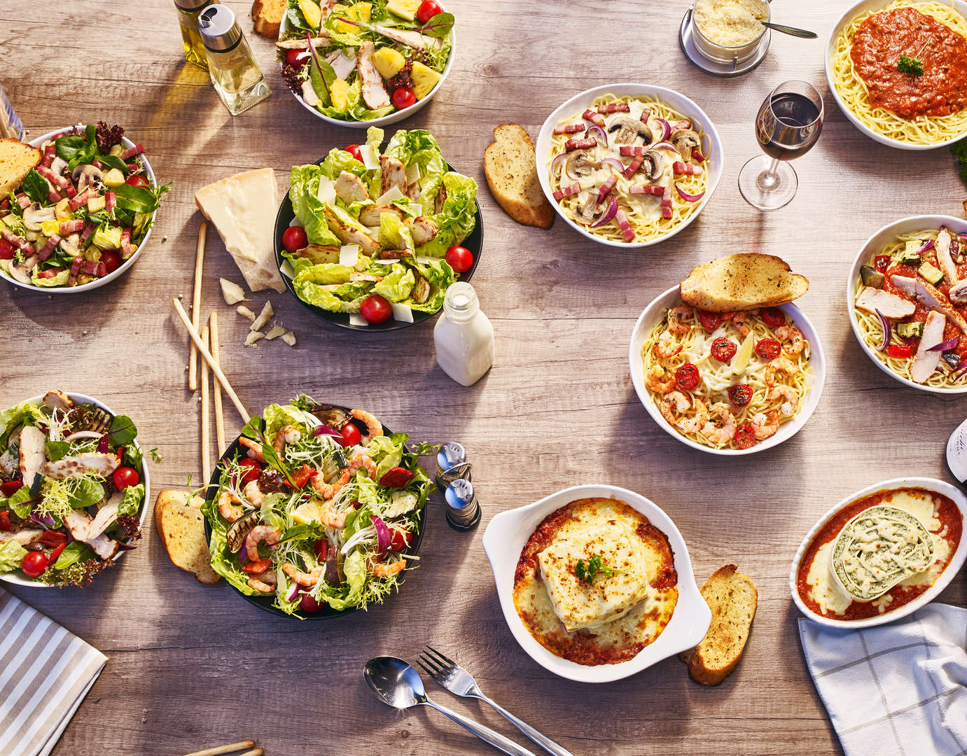 PizzaHut_salades_et_pâtes.jpg