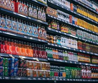 Sucos e refrigerantes com 15% de desconto