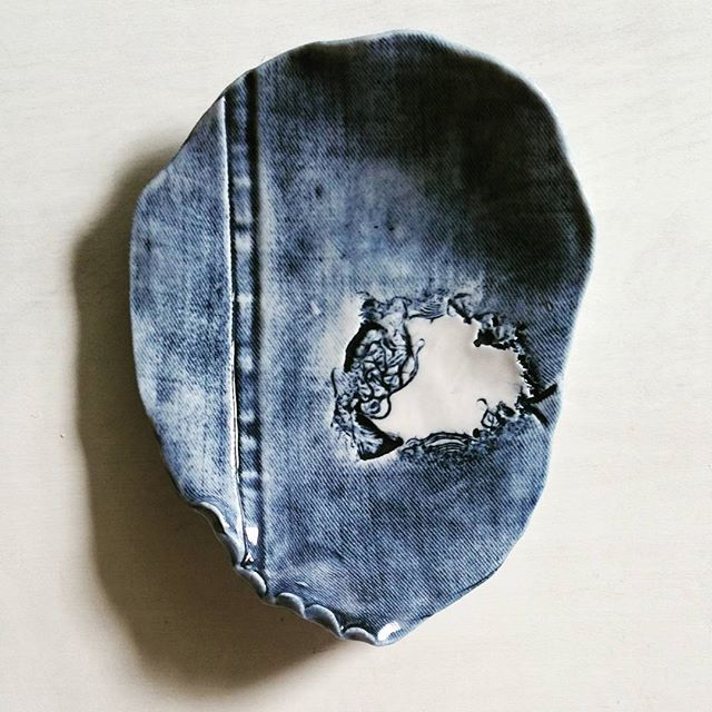 TIMELESS - Denim impression dish _) #ceramics #porcelain #brookepeiffer #brookepeifferceramics #xres