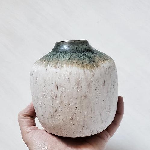 Stoneware Budvase in  Cream and Old Copper
