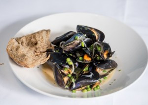 Edinburgh Evening News 10 - Mussels with Cider and Peas
