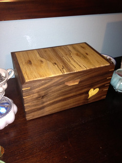 Jewlery box with yellowheart inlay