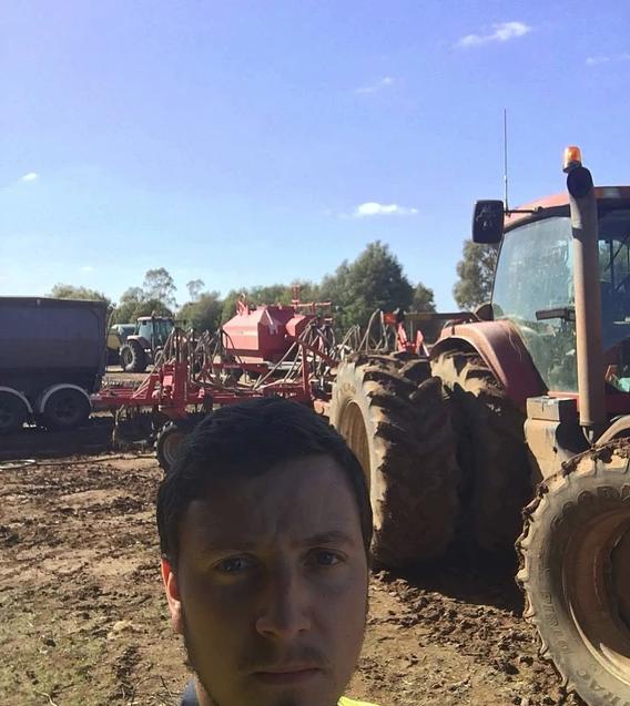 Farm job echuca tractors