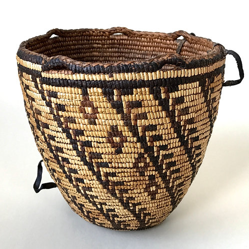 Antique Klickitat Pacific Northwest Fully-Imbricated Coiled Berry Basket, 19th c