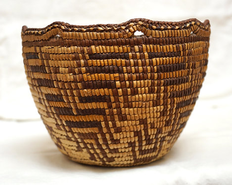 Antique Cowlitz Southern Coast Salish Fully-Imbricated Coiled Berry Basket