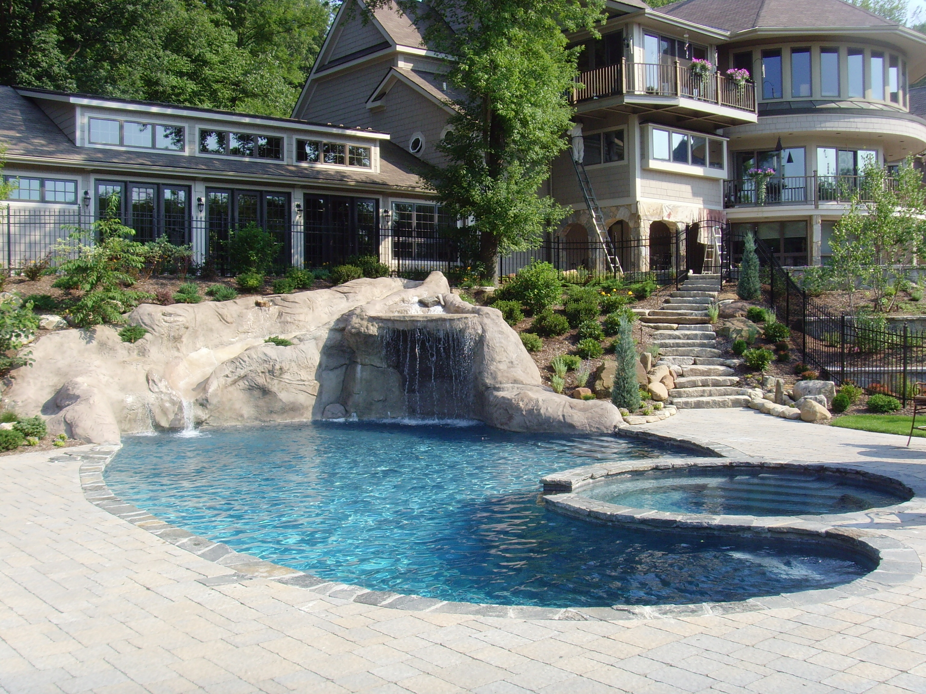 Luxury Pool Connecticut Contractor