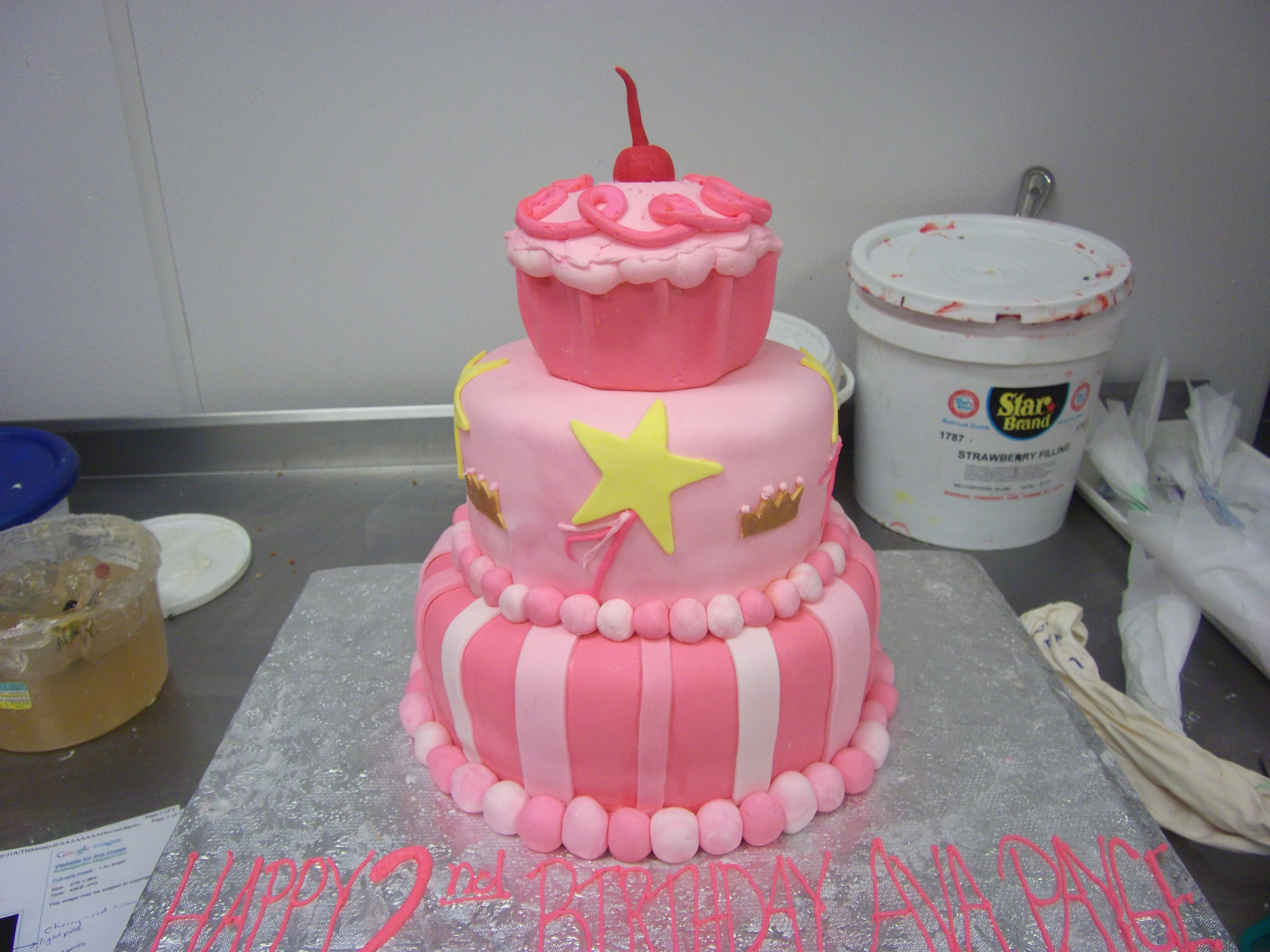 At Exotic Bakery New York Our Decorator Hand Draws On Each Individual Cake We Will