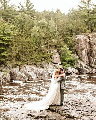 taylors-falls-rainy-elopement-wedding-in