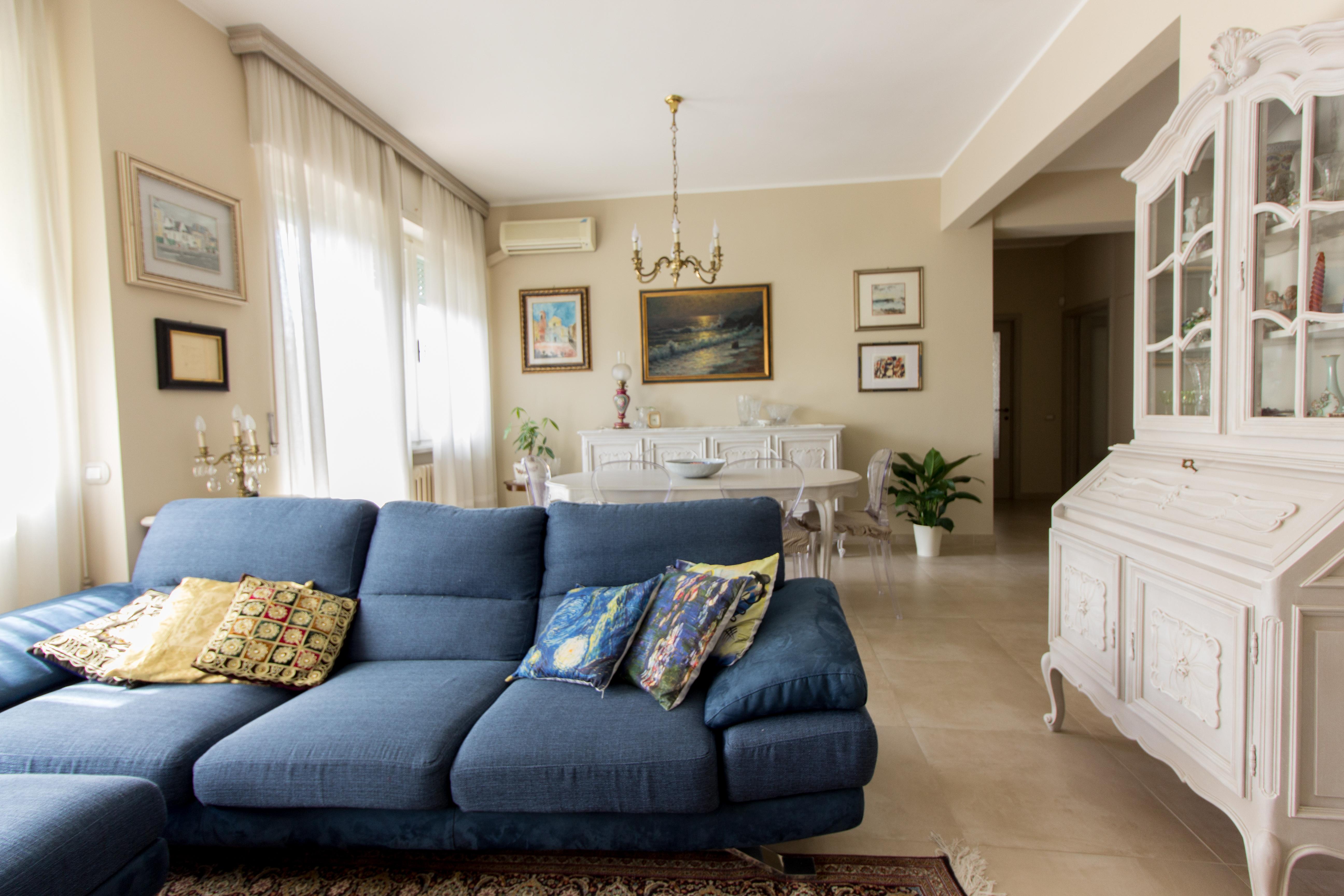 P45_sofa