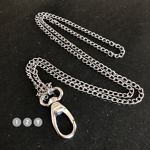 Chaine à fins maillons en métal argenté