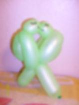 08_lovebirds_kissing (2).jpg