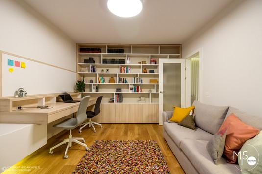 Amenajare Miso Architects cu usi albe din colectia Impuls (poza 7)