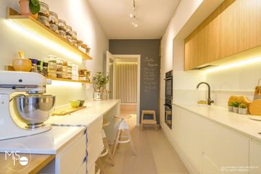 Amenajare Miso Architects cu usi albe din colectia Impuls (poza 6)