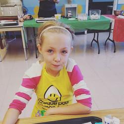 Voici une nouvelle bénévole du Club des petits déjeuners au Centre d'intégration scolaire