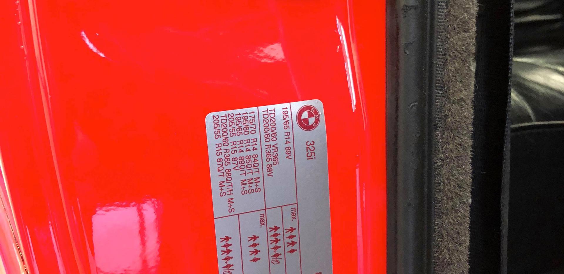 E30 Tyre Door Shut