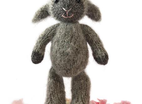Free Pattern: Fuzzy Lamb