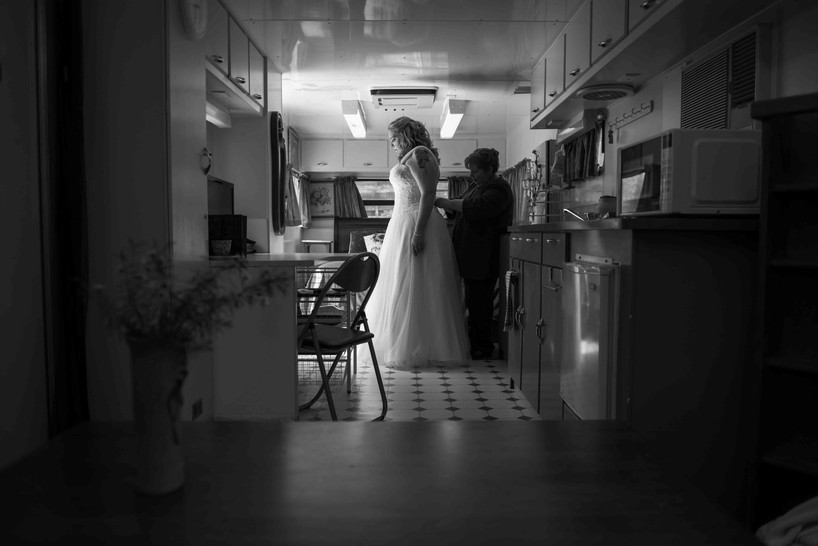 bridegettingready013.jpeg