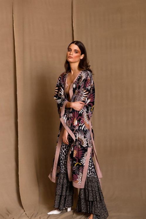 Dalila black kimono, The Jerkins