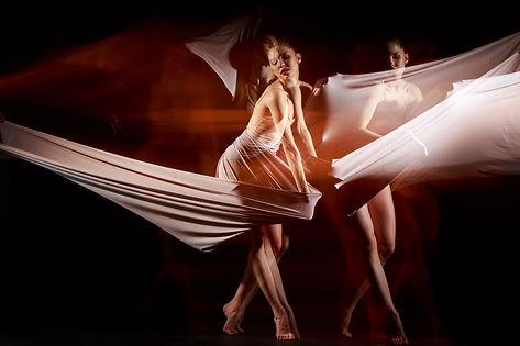 sensual-emotional-dance-beautiful-baller