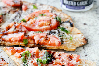 Roasted Garlic Tomato Basil Pizza