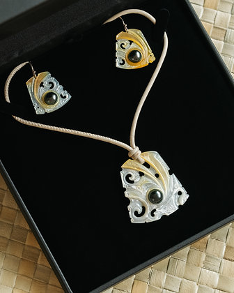 White/yellow Ear and Neck Set with Black Pearls