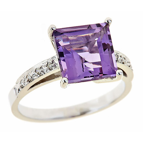 Amethyst ring 14 karat white gold