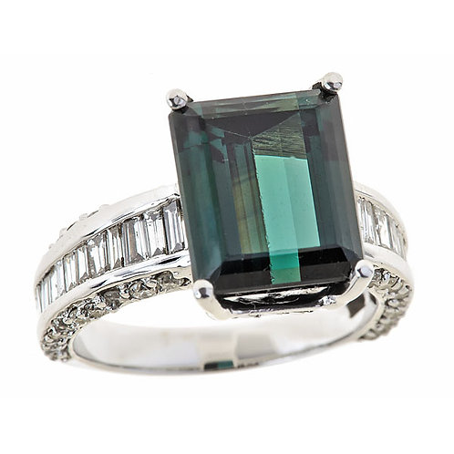 Tourmaline green diamond ring 18 karat white gold