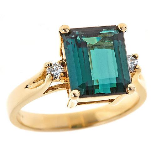 Tourmaline (green) ring in 14 karat yellow gold