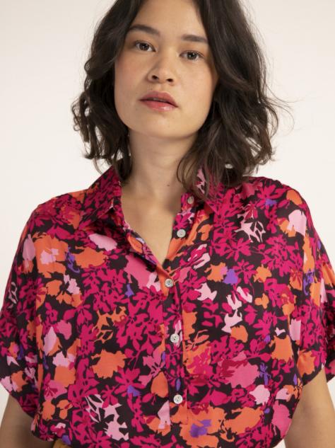 print blouse €79,-