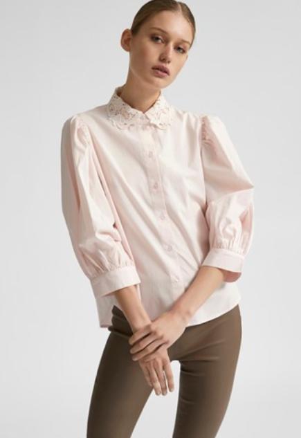 lichtroze blouse kanten kraag