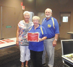 AGM 2014 - Disc Bowls Ladies Singles Runner-Up  -LAUREL- with Coral and Roy.JPG