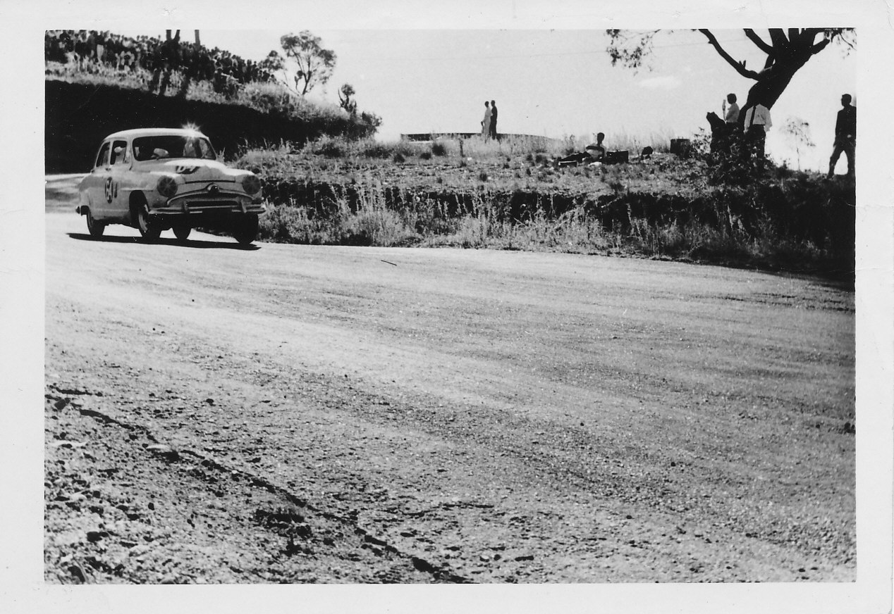 Simca out of Esses 1960.jpg
