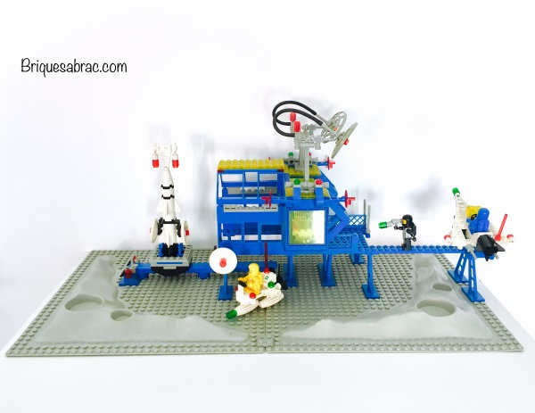 LEGO ® CLASSIC SPACE 6971 Inter-Galactic Command Base