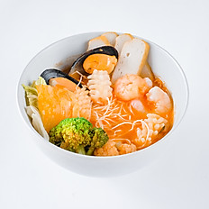 SEAFOOD TOMYUM NOODLE SOUP