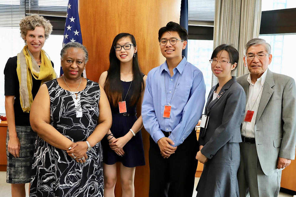SF Student Ambassadors with US Ambassador