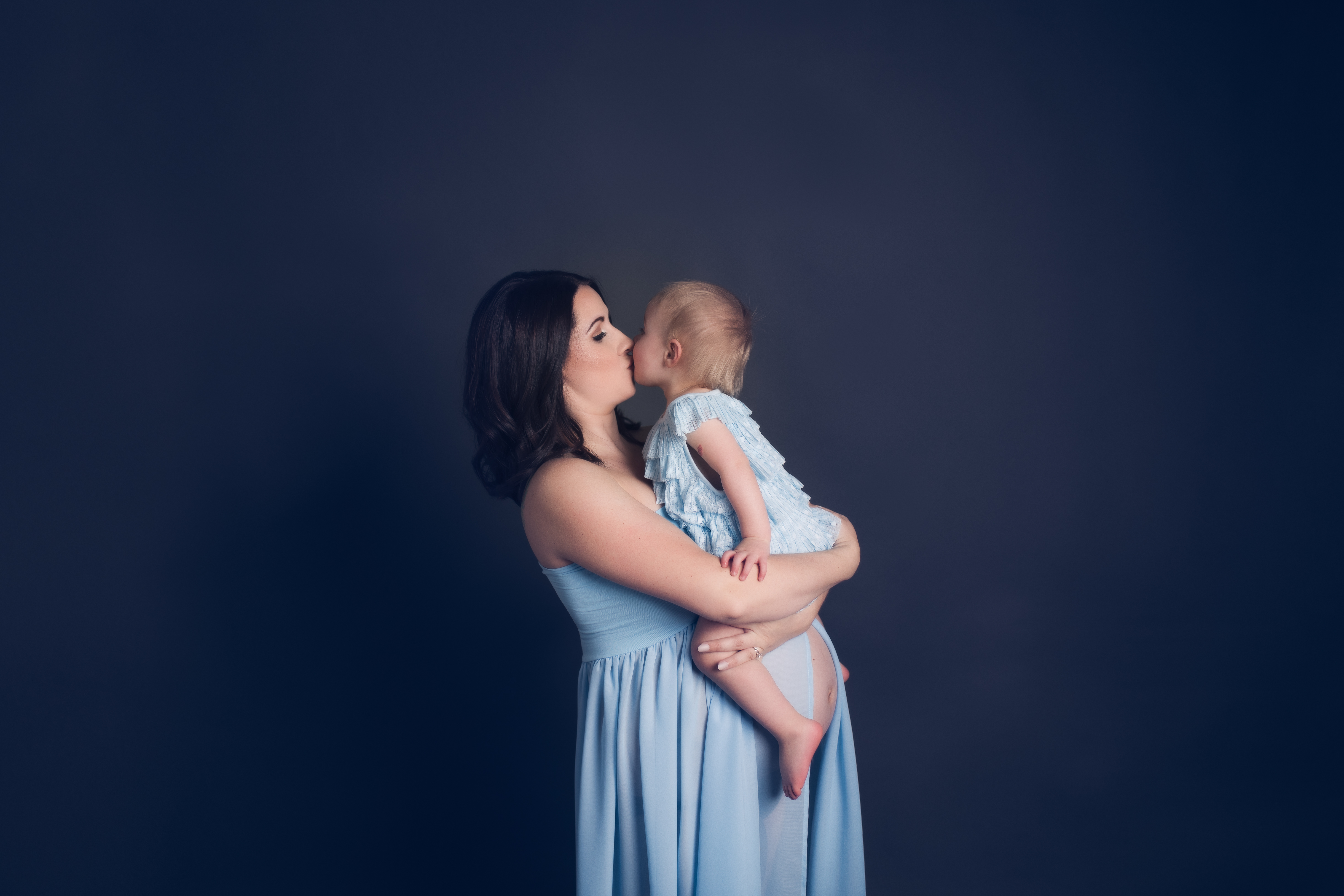 Michigan Pregnancy Photography, siblings-