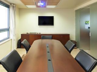 תכנון של מערכת המולטי מדיה בחדר ישיבות היא הכרחית בשלבים המוקדמים של תהליך העיצוב