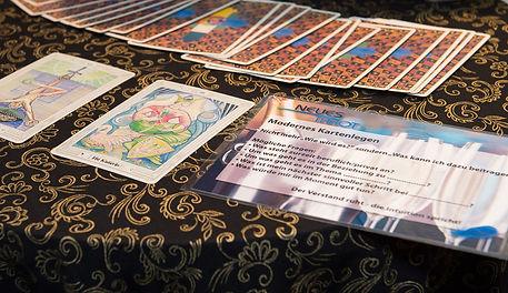 Event-Tarot-Unterhaltung-Firmen-Personalfest-Weihnachtsessen