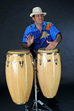 Rey Reloba Percussion - Kongas
